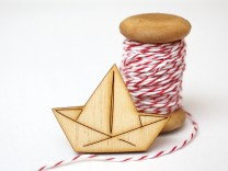 Boat brooch by red bakers twine
